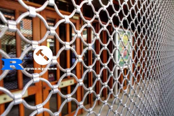 reparación 24 horas persianas metálicas en negocios en Hospitalet